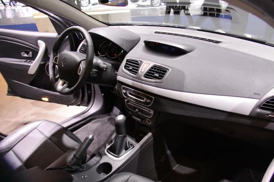 Компания Renault готова поставить преселективный робот EDC на Рено Флюенс